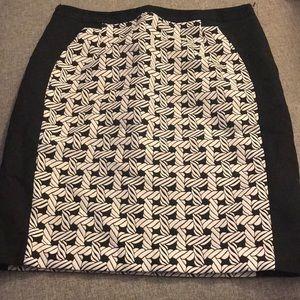 Worthington Skirts - Black and white trellis pencil skirt